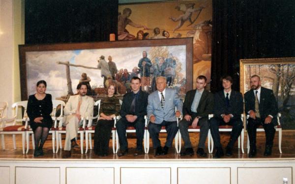 Александр Левченков. Фото на память после защиты диплома. РАЖВиЗ 2003